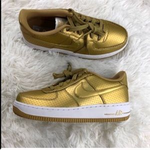 ☘️MAKE YOUR OFFER☘️ Nike Air Force 1